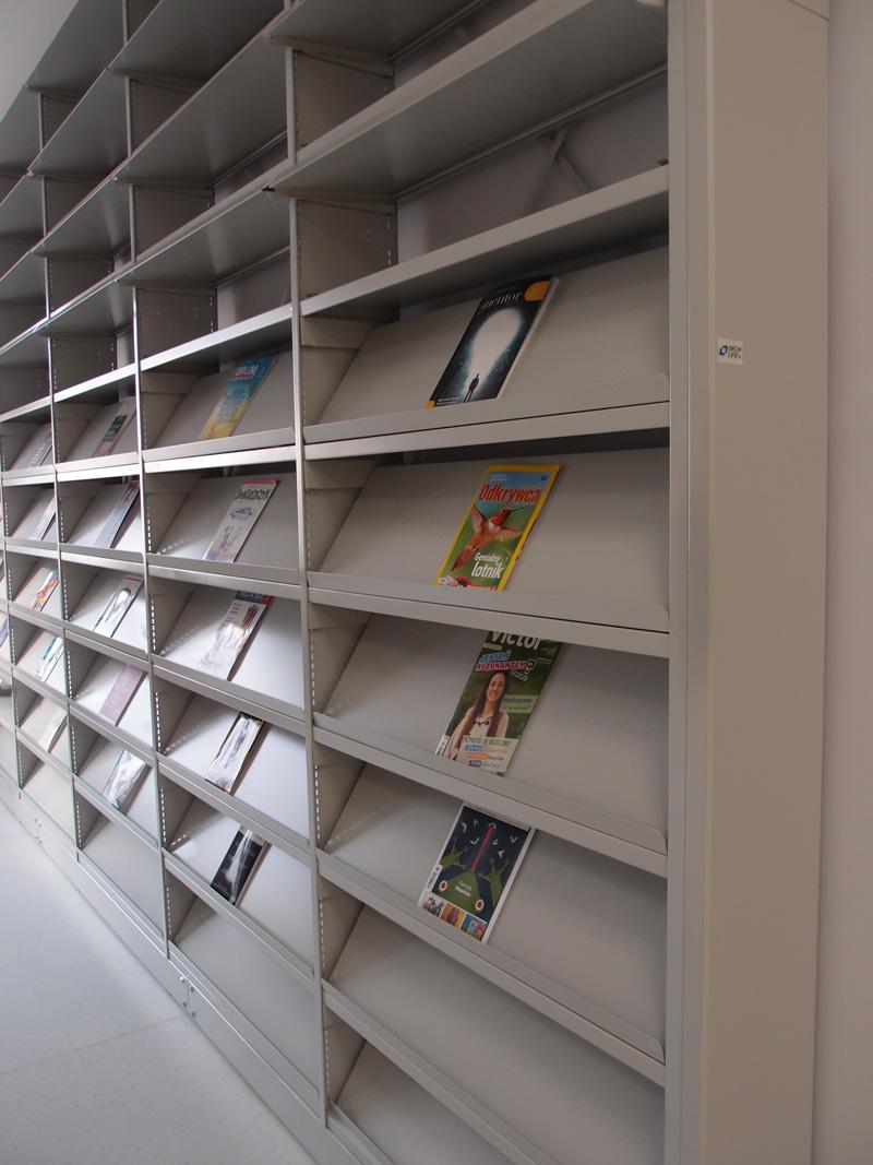 półki uchylne na czasopisma regnar